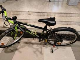 BtWIn 1.5 yrs old , good condition, with accessories worth 3k