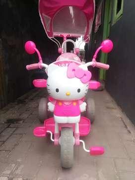 Sepedah hello kitty,, sayang anak,, kondisi masih bagus,,