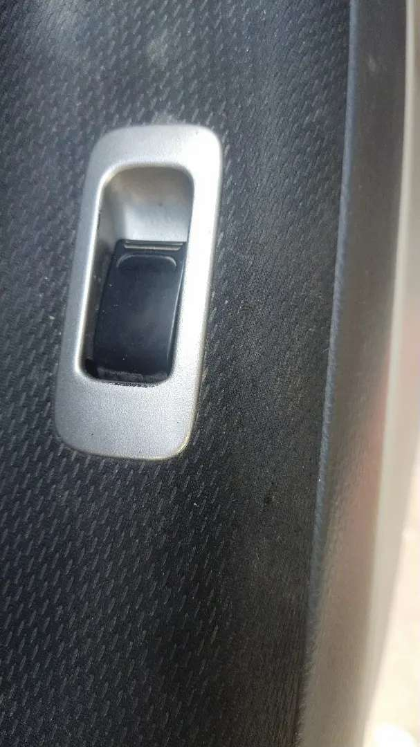 Liana Power Windows Button 0