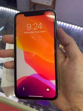 I Phone 11 ( white  )