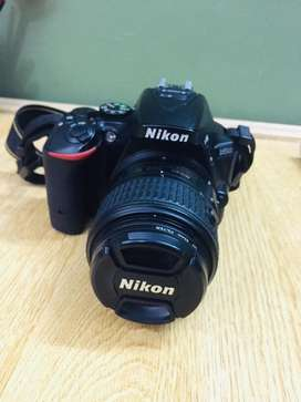 Nikon D5500 With 18-55 mm Lens And Other Accessories