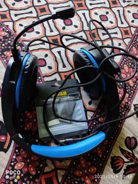 CosmicByte gaming headphone with 2 pair finger slaves for gaming