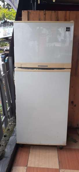 Dijual Kulkas 2 pintu