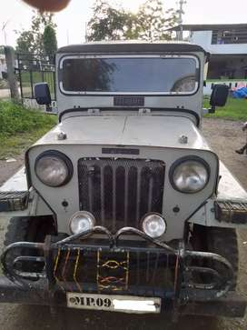 Mahindra Jeep with original di engine