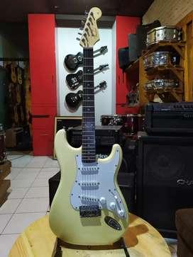Gitar Listrik Electric Gitar Fender Stratocaster Squier Pacifica