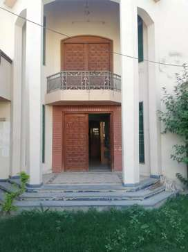 20 Marla 6 Beds House for rent in near city school Sahiwal.