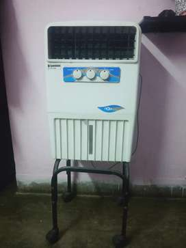 Air cooler with iron stand and wheels
