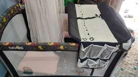 Box bayi atau tempat tidur bayi merk babydoes