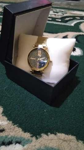 Jam tangan perempuan GUCCi pasir magnet