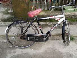 Hercules bicycle for sale. It is in a good condition.