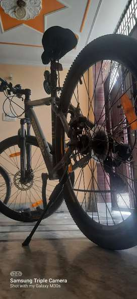 Cycle montra madrock
