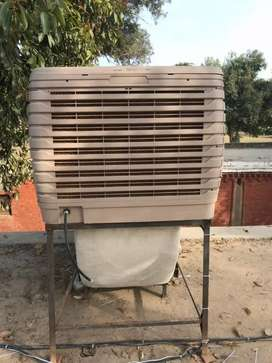 Duct evaporative chiller air cooler