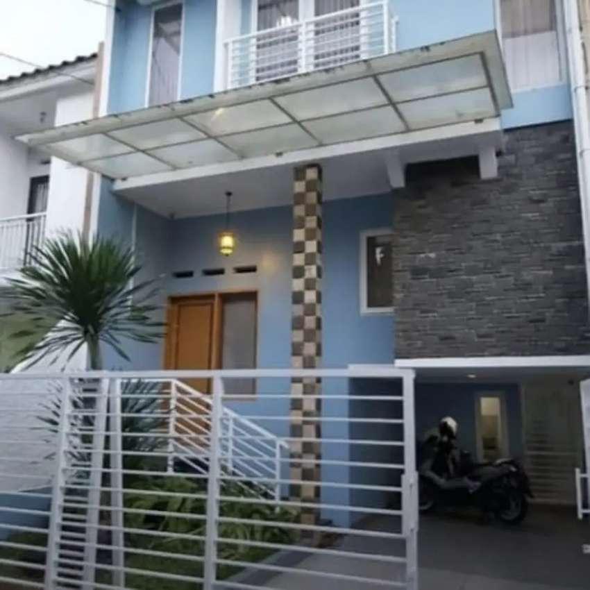TOWM HOUSE JAGAKARSA