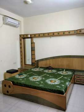 Roommate female available fully furnished apartment for rent