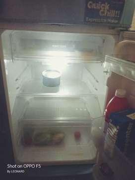 Sharp fridge in good condition