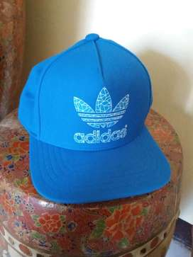 Topi Adidas Original Fitted