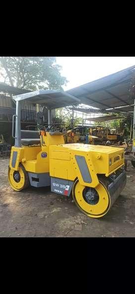 Tandem Roller Sakai SW 350 kapasitas 3 Ton