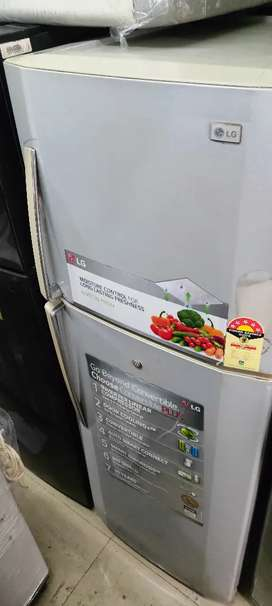 Latest model double door lg fridge @9500 with warranty