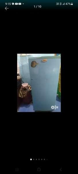 Refrigerator of 220 L with original blue colour