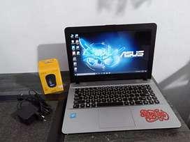 Dijual laptop asus X441s intel celeron N3360 normal jaya & terawat