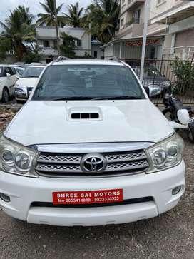 Toyota Fortuner 2.8 4WD MT, 2010, Diesel