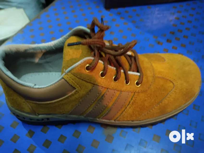 Safety shoes_sports style 0