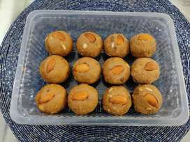 Homemade dry fruits & desi ghee atta laddoos (Punjabi Pinni) - 1 kg