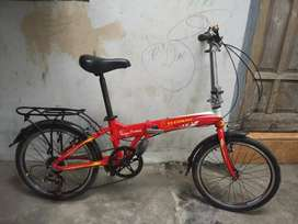 sepeda merah, siap digunakan, joz