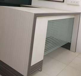 Table urniture