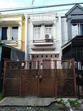 Dijual Rumah 2 Lantai di Taman Permata palem