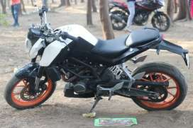 Selling my KTM Duke 200 in Good Condition