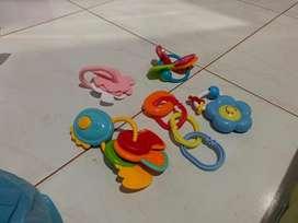Mainan anak per set kondisi bekas