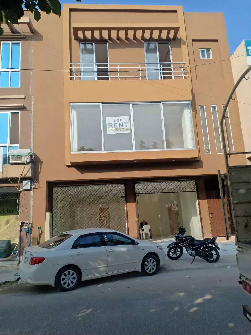 Valencia town H block 1st floor available for rent 0