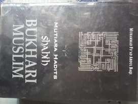 Di jual buku hadis
