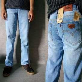 Jeans model standar