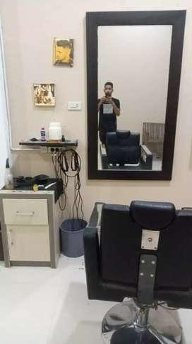 Menjual peralatan barbershop/pangakas rambut,