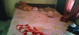 1 room rent nd 1 bathroom nd 1 khicken comman