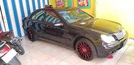 New mercedes benz new eyes tahun 2001.mewah.mulus.jual cuma 59 jt..