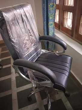 High Back Revolving chair in black leatheritte