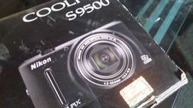 Original Nikon Coolpix S9500