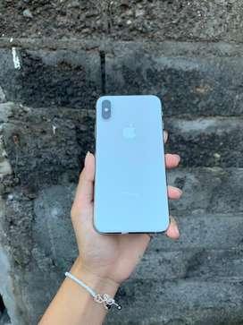 Iphone xs 256 gb kelengkapan fullset mulus no minus