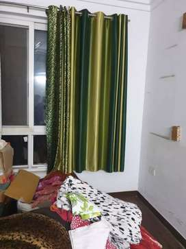green shaded curtains 6ft 5montha old total 10 pieces