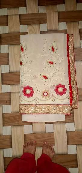 Sarees white and red