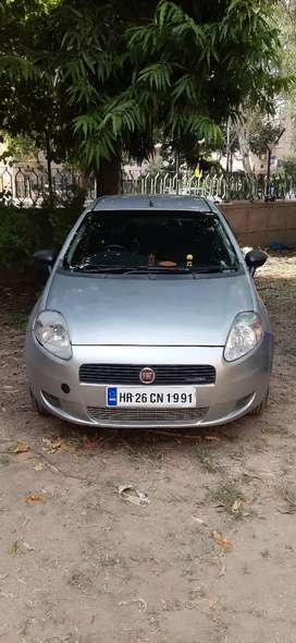 Fiat Punto 2015 Diesel 53000 Km Driven Well Maintained.
