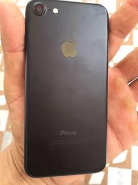 I phone 7 black 128 gb