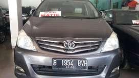 Toyota Innova Diesel At V 2010