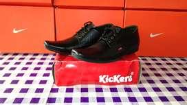 Sepatu kickers pria pantofel formal