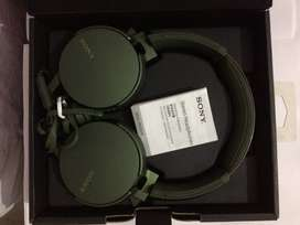Sony Stereo headphone( Sony mdrxb550ap)