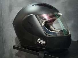 Helm full face bekas
