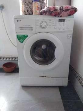 LG front load washing 5.2kg